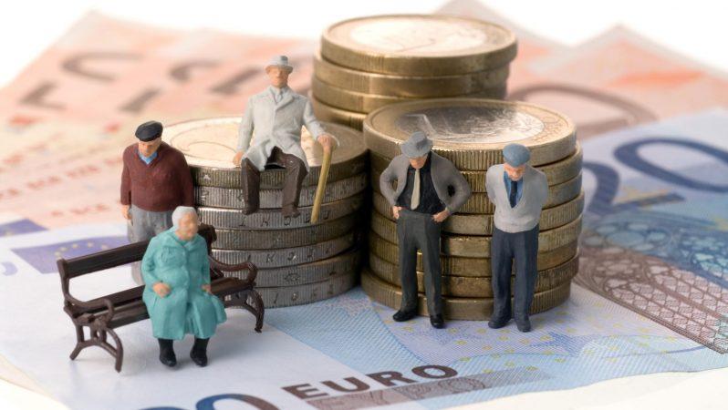 пенсионери, пари